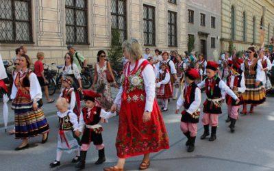 """""""Krakowiak"""" w monachijskiej procesji Bożego Ciała"""